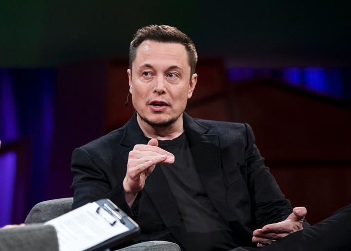Elon Musk: İhtiyaç halinde solunum cihazı üretebiliriz
