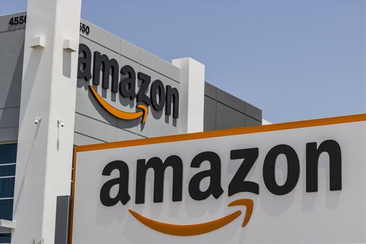 Amazon İtalya ve Fransa, kritik ihtiyaçlar hârici ürünlerin teslimatına ara verdi