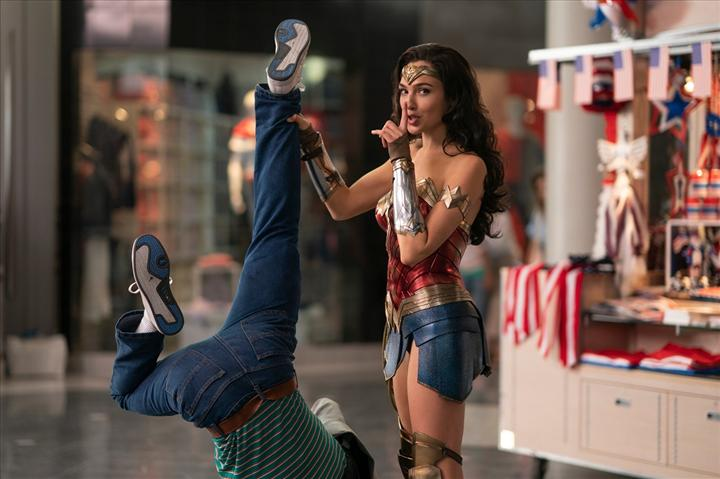 Wonder Woman 1984 iki ay ertelendi