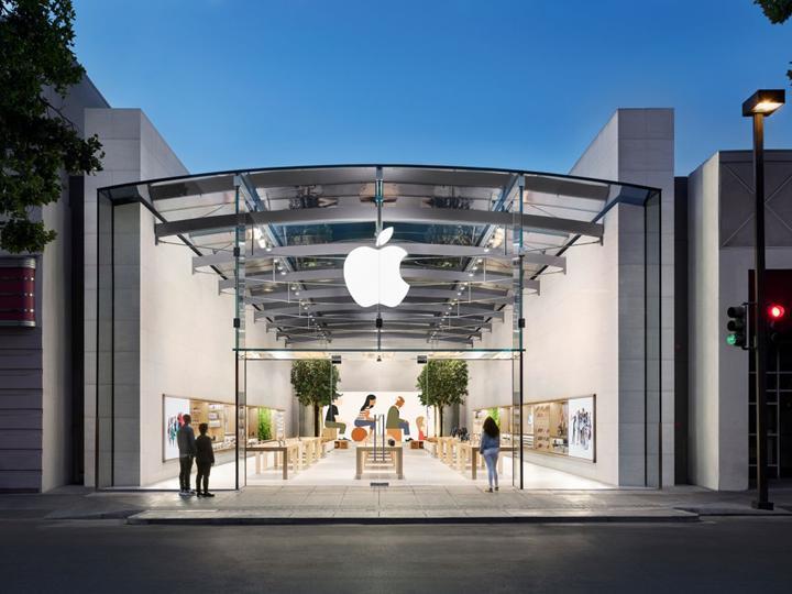 Süresiz olarak kapatılan Apple mağazaları yeniden açılıyor