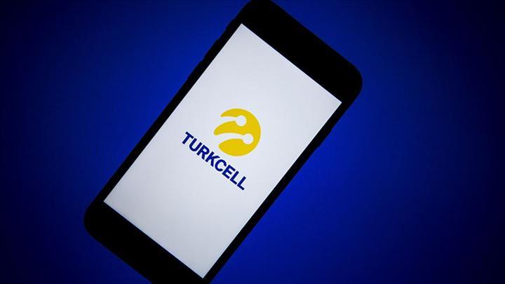 Turkcell ünlülerin sesiyle müşterilerine 'Evde Kal' uyarısı yapıyor