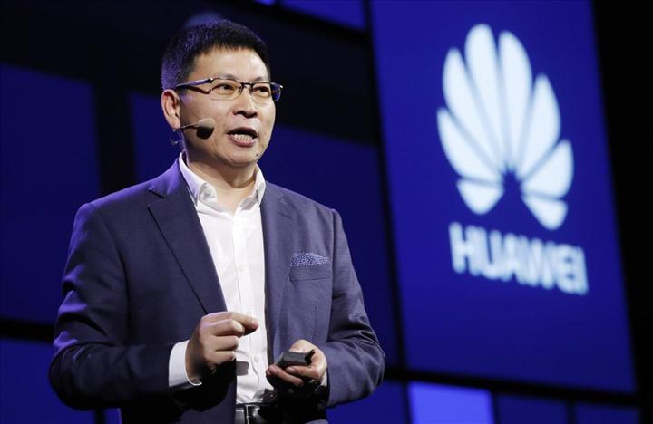 Huawei, Google hizmetlerini akıllı telefonlarına geri getirmek istiyor