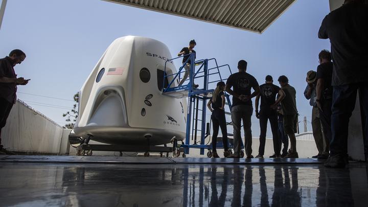 NASA, SpaceX'e ait Crew Dragon kapsülüyle düzenlenecek ilk resmi görevin personelini seçti