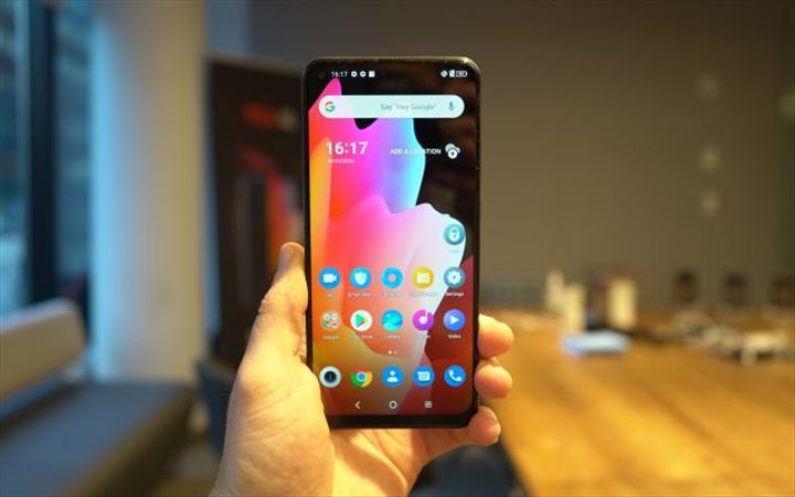 TCL 10 akıllı telefon serisi satışa çıkıyor