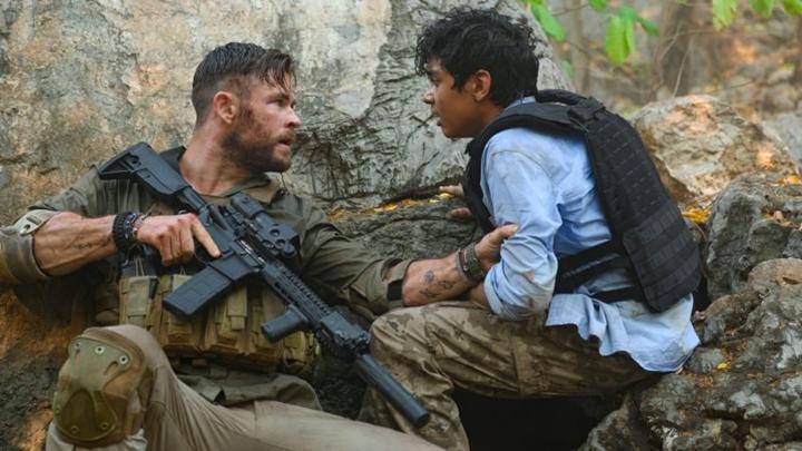 Netflix'in aksiyon dolu yeni filmi Extraction'dan ilk fragman