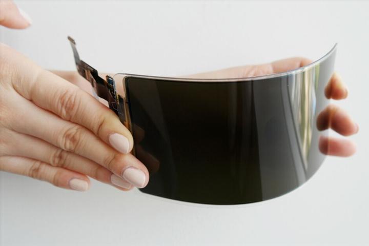 Samsung, mobil OLED segmentinde açık ara lider