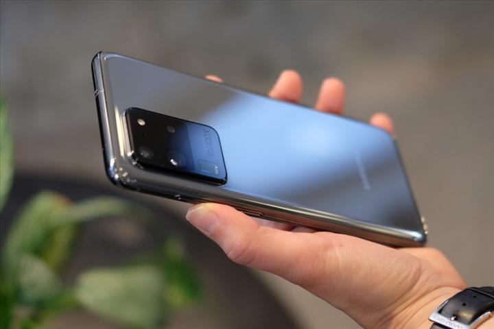 Galaxy S20 Ultra'daki yeşil ekran sorunu giderildi