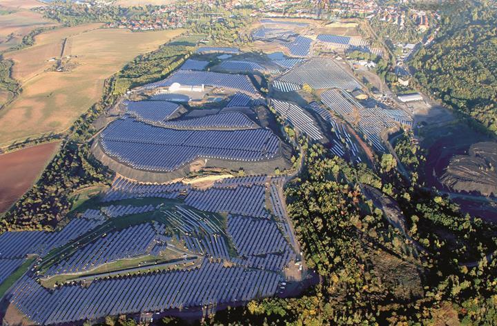 Almanya ve İngiltere, güneş enerjisi üretiminde rekor kırdı