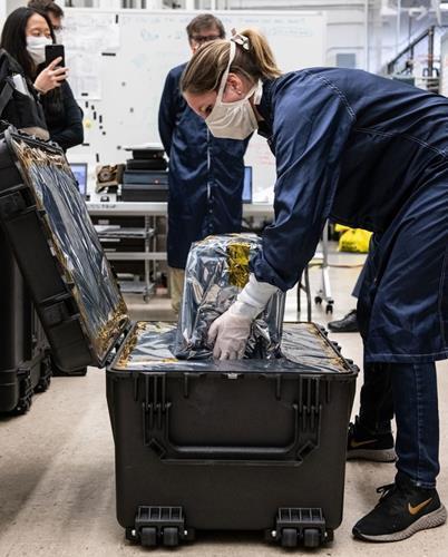 NASA mühendisleri 37 günde solunum cihazı üretti
