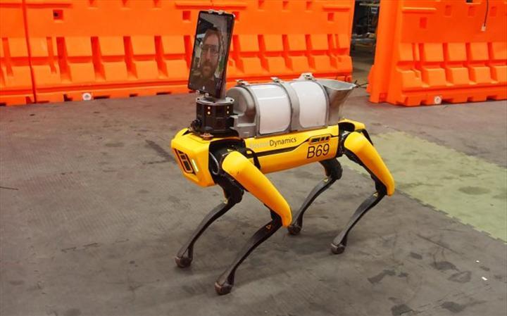 Boston Dynamics'in robot köpeği Spot, doktorları COVID-19'dan koruyor