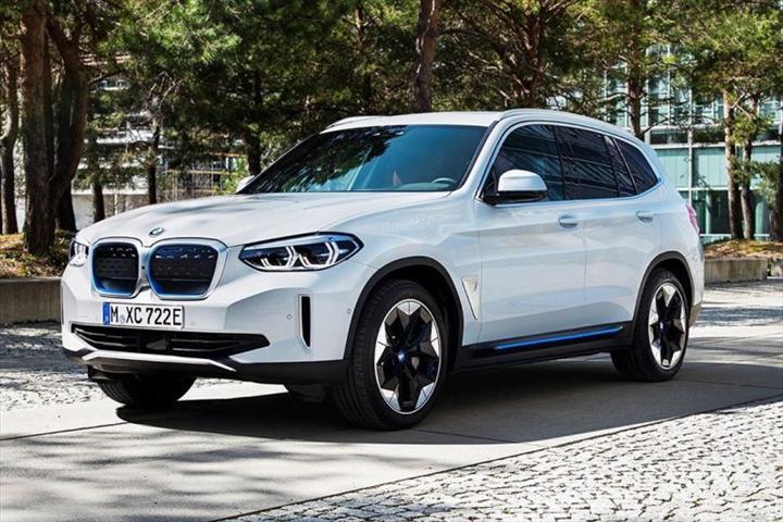 Elektrikli BMW iX3'ün tasarımı ortaya çıktı