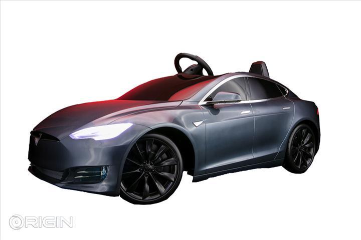 Origin PC'den Tesla Model S içerisinde bilgisayar kasası