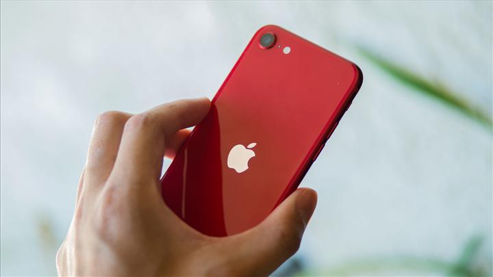 Tim Cook: iPhone SE (2020), en hızlı Android telefonlardan daha hızlı