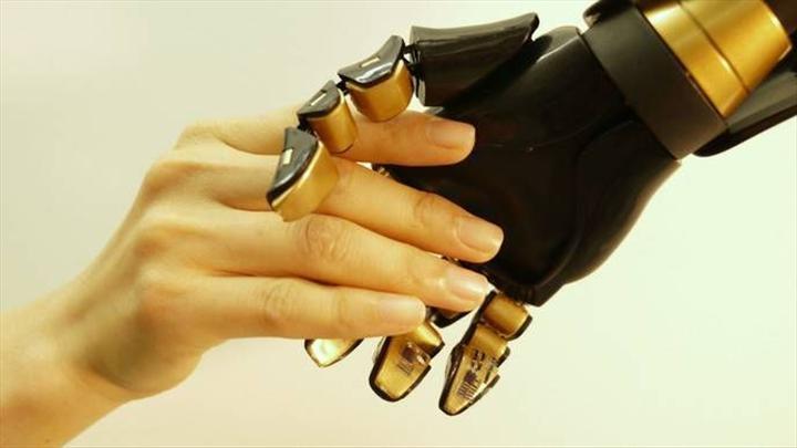 Bilim insanları, robotlar için yapay deri geliştiriyor