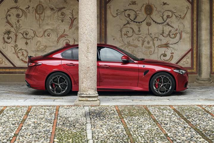 Makyajlı Alfa Romeo Giulia ve Stelvio Quadrifoglio ikilisi yeni teknolojileriyle tanıtıldı