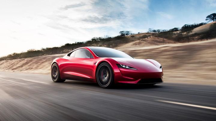 Elon Musk: Tesla Roadster beklenenden daha geç gelecek