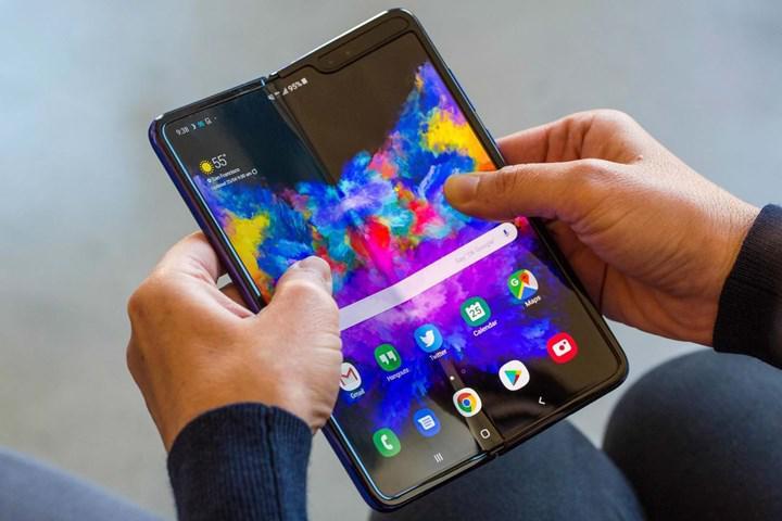 Samsung, 1.099 dolarlık Galaxy Fold Lite modelini piyasaya sürmeye hazırlanıyor