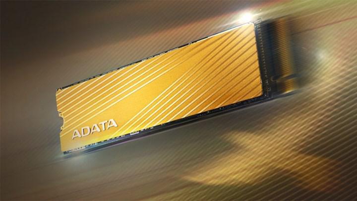 ADATA Falcon serisi yeni SSD sürücüsünü duyurdu