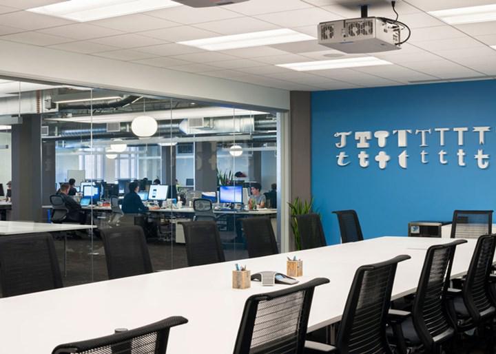 Twitter çalışanlarının artık hiçbir zaman ofise gitmesi gerekmiyor