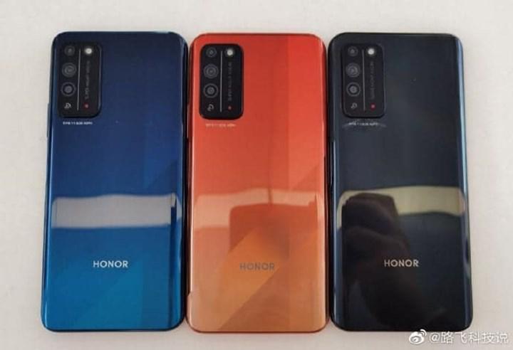 Honor X10'un üç farklı renk seçeneği ortaya çıktı