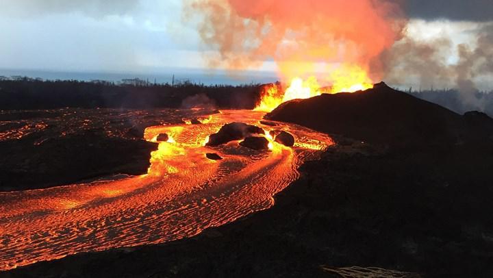 """""""Dünya'nın en büyük kalkan volkanı"""" unvanı el değiştirdi! Yeni şampiyon yine Hawaii'den"""