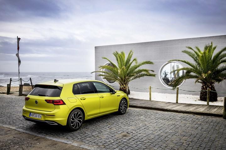 Yeni nesil Volkswagen Golf'teki yazılım problemi, teslimatların durmasına neden oldu