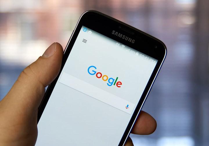 Google Arama uygulamasına karanlık mod desteği geldi