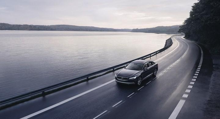 Volvo otomobiller artık 180 km/s hızın üzerine çıkamayacak