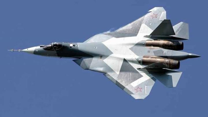 Rusya, Su-57 savaş uçağını insansız olarak uçurduğunu iddia etti