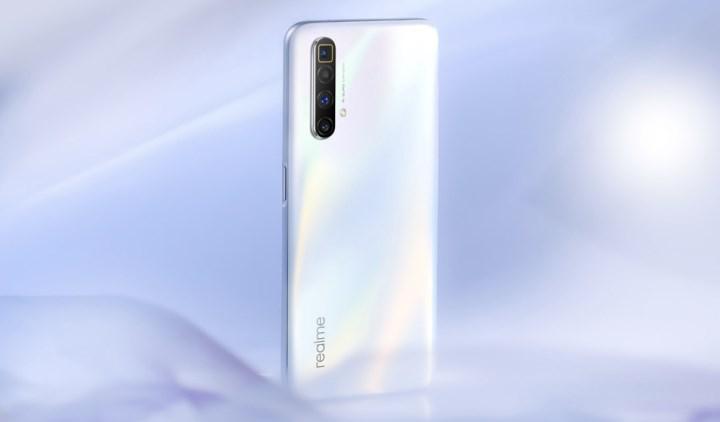 60x zoom'a ve 120 Hz ekrana sahip Realme X3 SuperZoom tanıtıldı