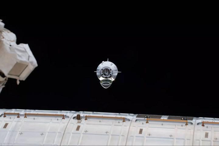 SpaceX astronotları Uluslararası Uzay İstasyonu'na ulaşıyor! (CANLI)