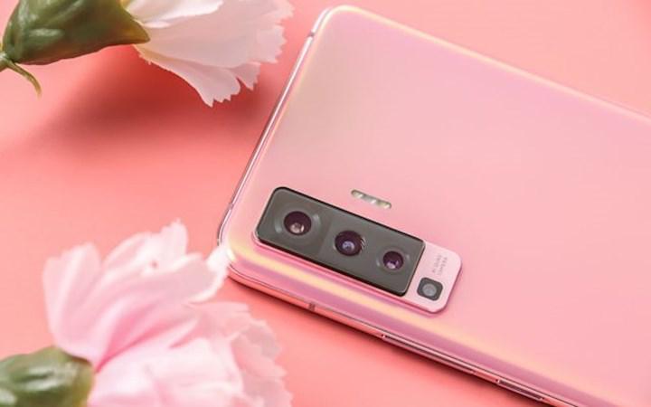 En ince 5G telefonu Vivo X50 tanıtıldı