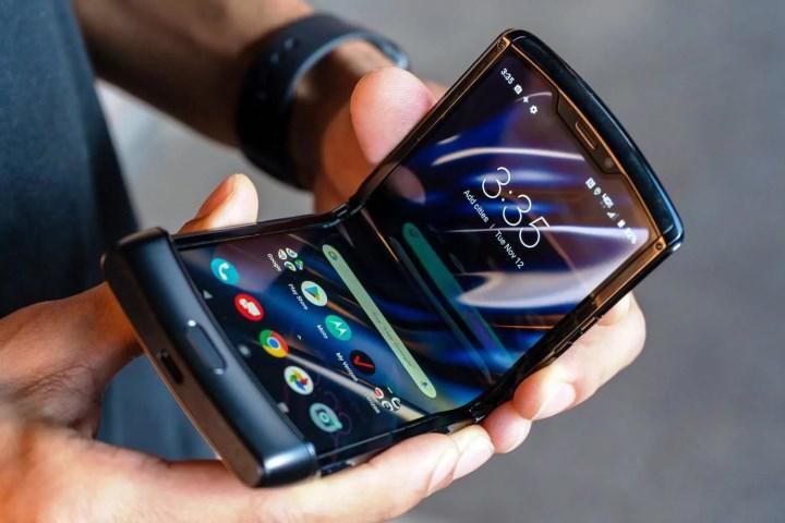 Motorola Razr 2 daha büyük ekranla gelecek