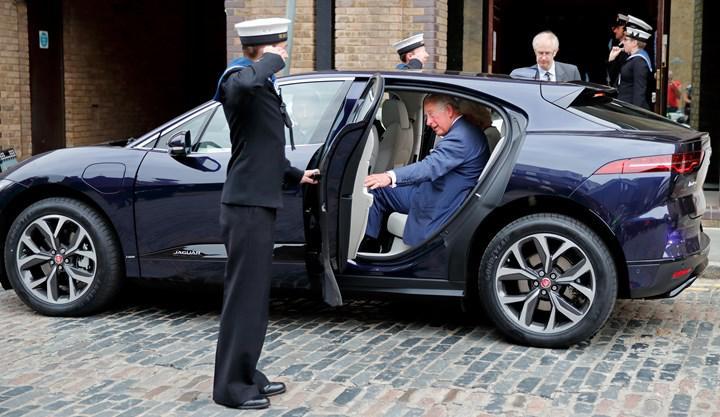 İngiltere, elektrikli araç kullanmaları için sürücülere para ödeyecek