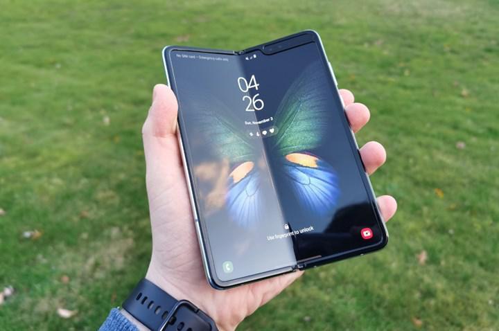 Samsung ve Corning, katlanabilir telefonlar için ultra ince cam geliştirecek