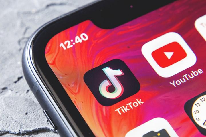 4-15 yaş arası çocuklar günde 80 dakika TikTok videoları izliyor