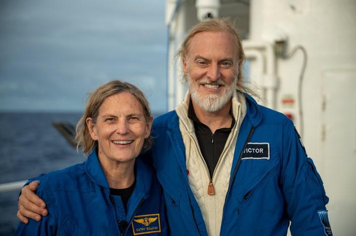 Eski NASA astronotu, Dünya'nın en derin noktasına inen ilk kadın oldu