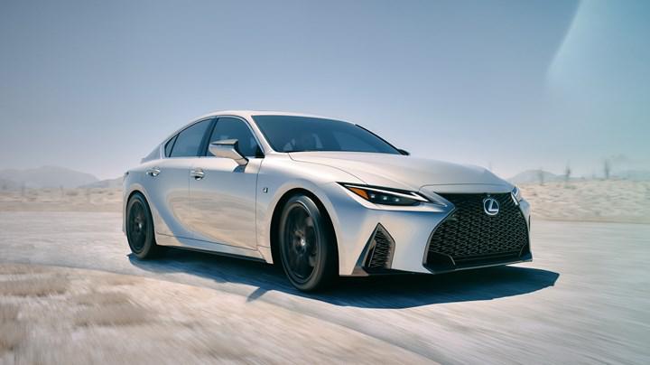 2020 Lexus IS tanıtıldı: İşte yeni tasarım ve özellikleri