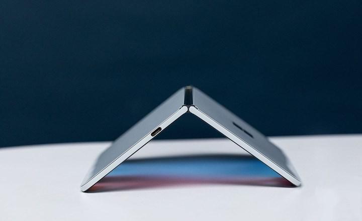 Microsoft çift ekranlı Surface Duo'yu Temmuz'da çıkarmaya hazırlanıyor