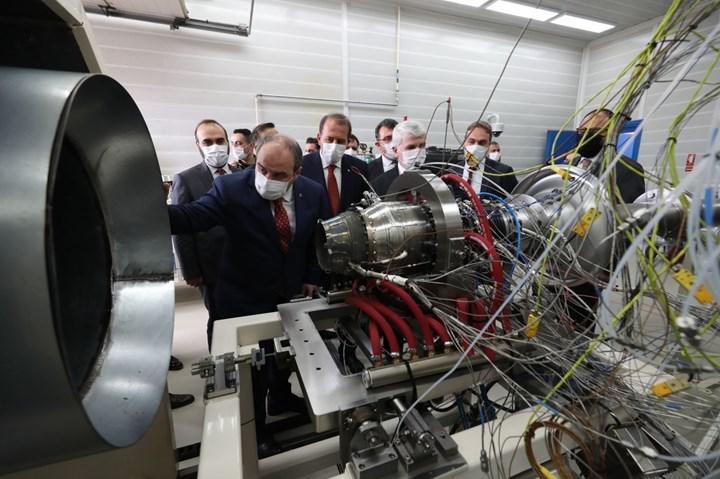 Türkiye'nin ilk orta menzilli gemisavar füze motoru test edildi
