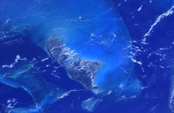 Bahamalar. Dünya'nın uzaydan görünen en güzel bölgelerinden biri..