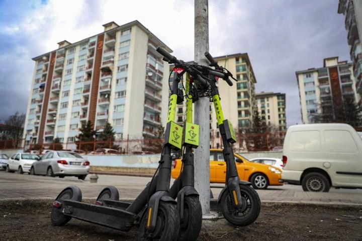Bakan açıkladı: Elektrikli scooter'lara düzenleme geliyor