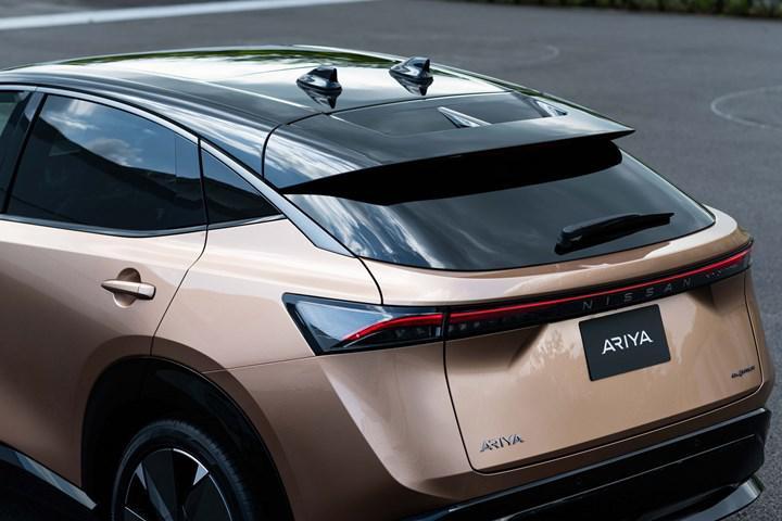 2021 Nissan Ariya elektrikli SUV, markanın yeni logosuyla birlikte tanıtıldı