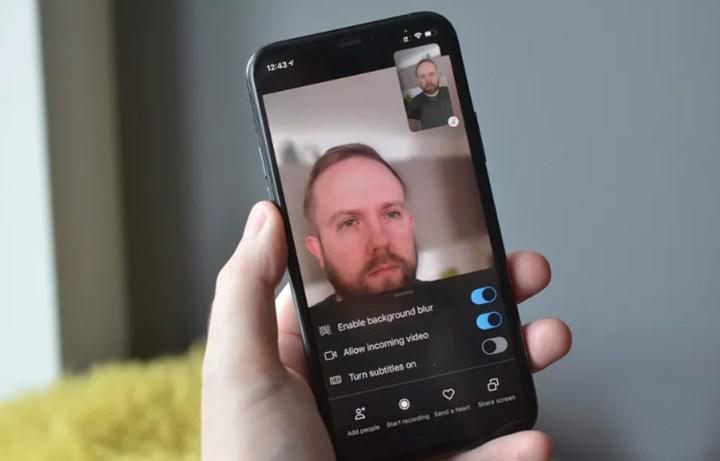 Skype'ın iOS uygulamasına 'arka planı bulanıklaştırma' özelliği geldi