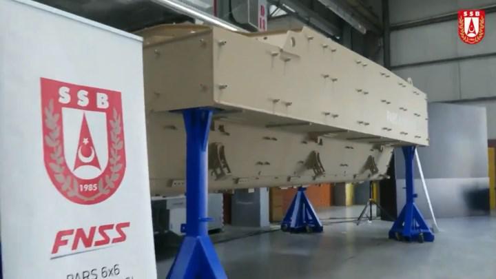 FNSS'in geliştirdiği Pars 6x6 Mayına Karşı Korumalı Araç'ın ilk montajı yapıldı