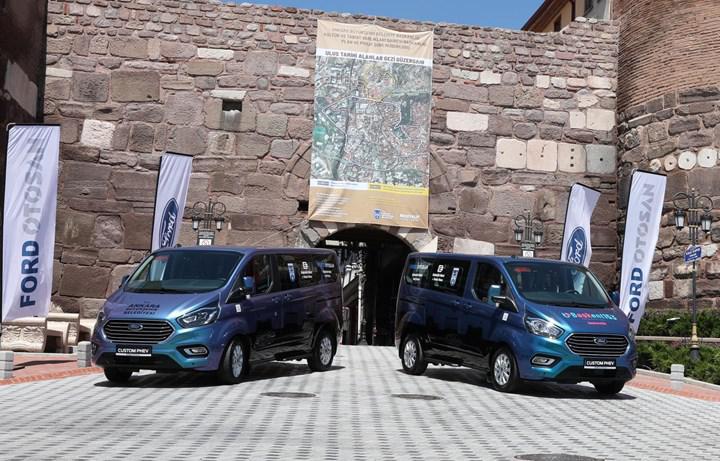 Türkiye'nin ilk şarj edilebilir hibrit ticari aracı Custom PHEV, Ankara yollarında test edilecek