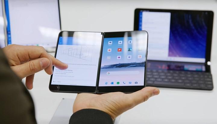 Surface Duo ile aynı anda iki oyun oynanabilecek