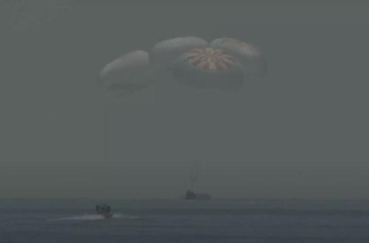 SpaceX astronotları Dünya'ya böyle iniş yaptı (VİDEO)