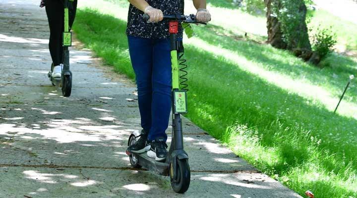İBB'den elektrikli scooter düzenlemesi: Plaka sistemine geçilecek ve ücretler düzenlenecek