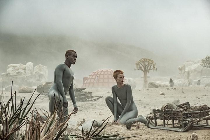 Ridley Scott imzalı HBO dizisi Raised by Wolves'tan resmi fragman geldi